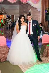 Продам свадебное платье Б/у  в подарок кольца и фата