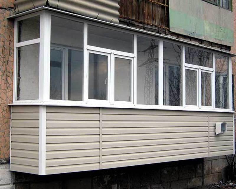 Внешняя отделка балкона.